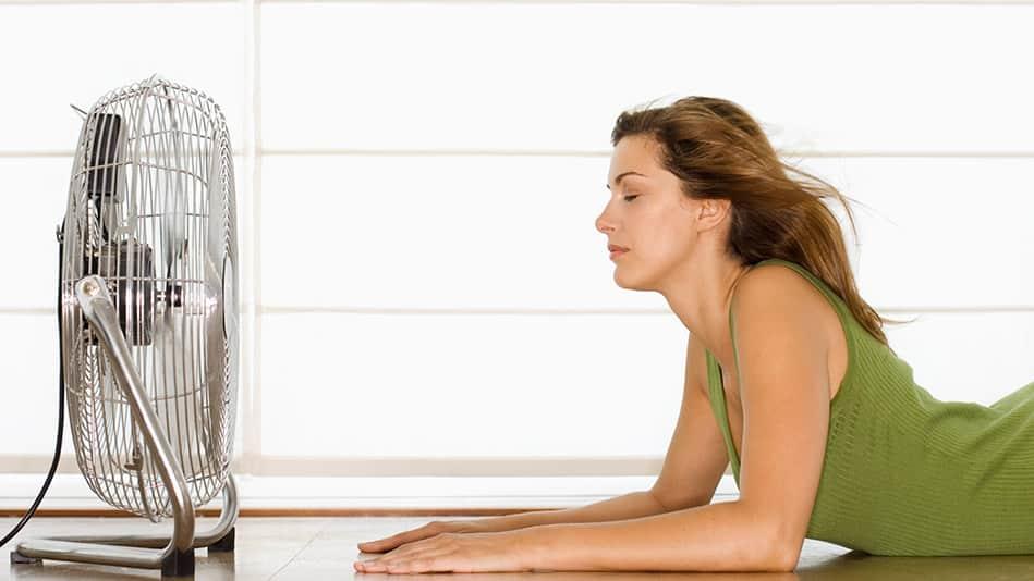 201506-omag-menopause--hot-flashes-949x534 Biar Hidup sebagai Anak Kos Lebih Mudah, 7 Perabot Ini Wajib Ada di Kamar Kosmu
