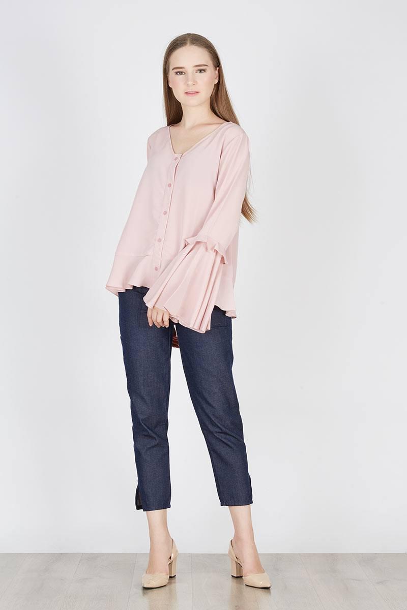 229399_panra-flare-top-pink_pink_98IK1 Bosan Baju Lebaran Warna Putih? Coba 11 Blouse Berwarna Pastel di Bawah 250 Ribu Ini!