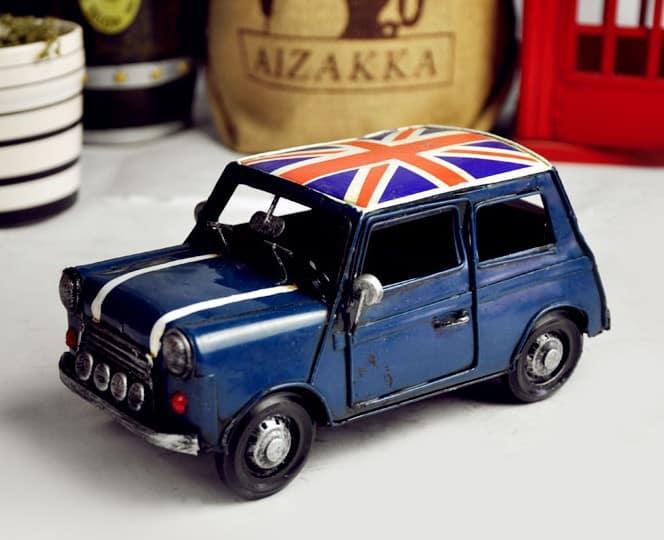 Retro-mini-car-model-toy-car-models-minicooper-iron-metal-ornaments-photography-props-vintage-car Sangat Bermanfaat, 13 Kegunaan Rahasia Vaseline untuk Peralatan Rumah Ini Perlu Kamu Tahu