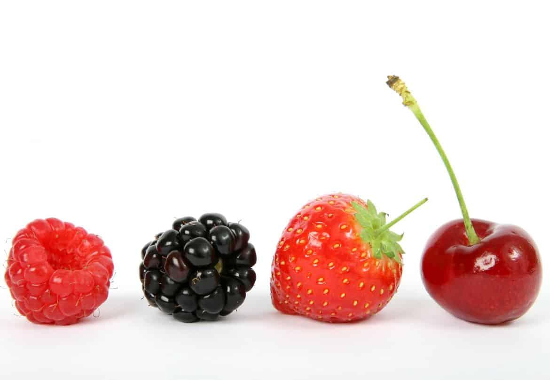 berries Mengapa 7 Jenis Buah-Buahan Ini Sebaiknya Tidak Disimpan Dalam Kulkas? Cari Tahu di Sini!