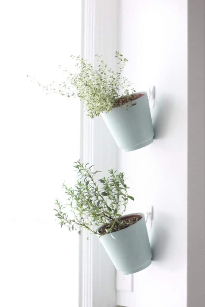 hanging-planter-tutorial Cuma Modal Gantungan, Rumah akan Terasa Lebih Rapi dengan 10 Ide Kreatif Ini